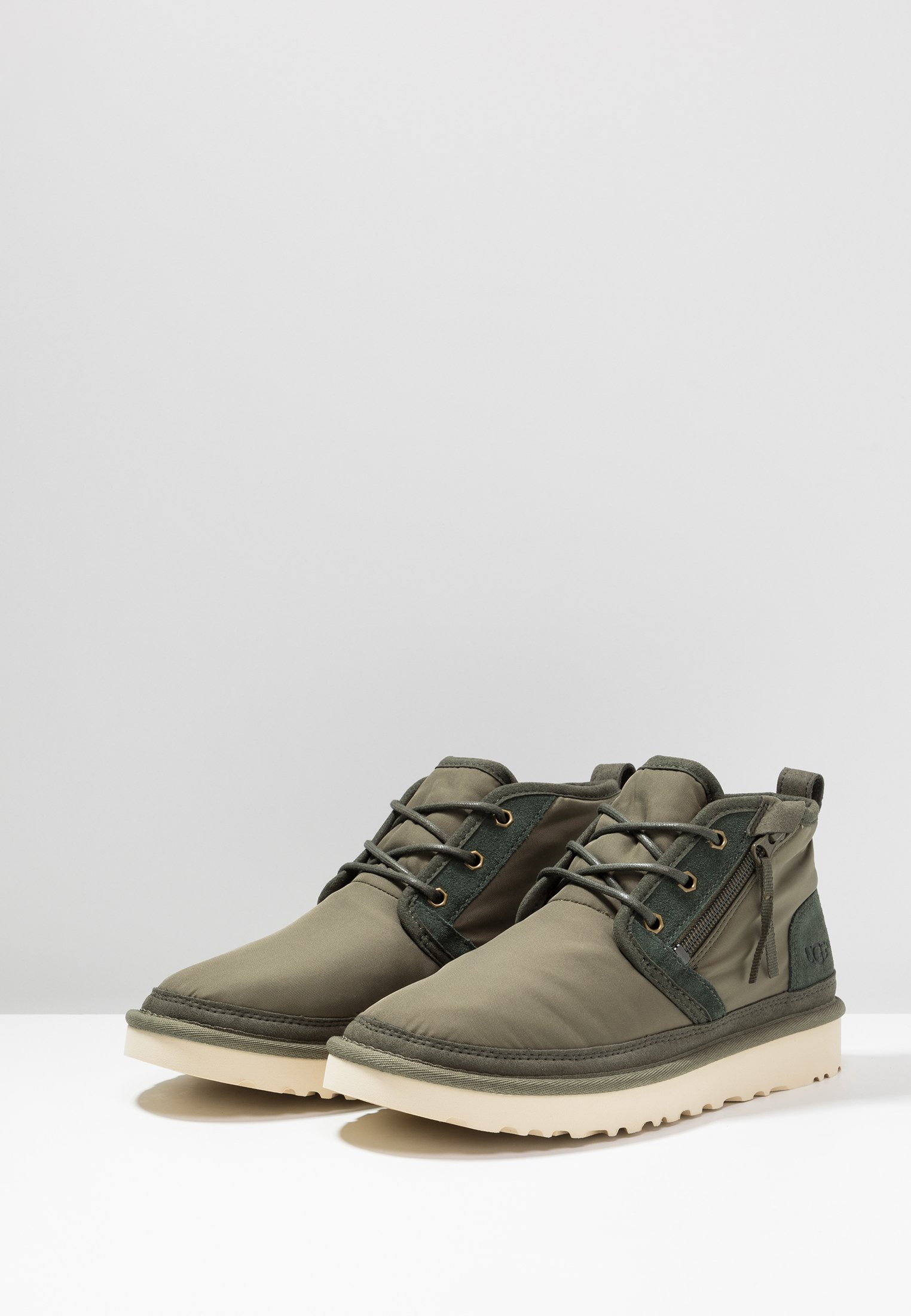 Ugg Neumel Zip - Chaussures À Lacets Green