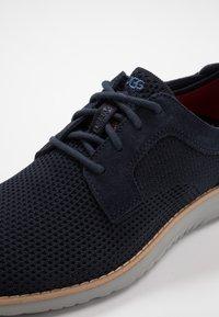 UGG - UNION DERBY HYPERWEAVE - Sneakers laag - navy - 5