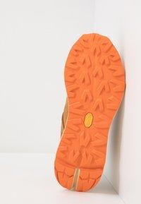 UGG - MIWO SPORT HIGH HYPERWEAVE - Sneakersy wysokie - oak - 4
