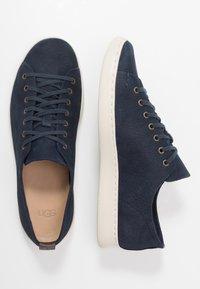 UGG - PISMO - Sneakersy niskie - dark sapphire - 1