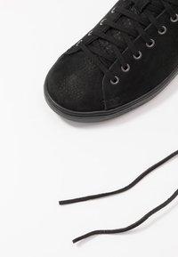 UGG - PISMO - Sneakersy niskie - black - 5