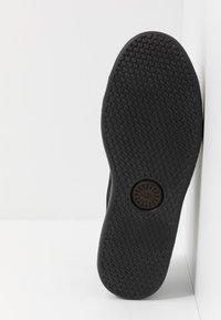 UGG - PISMO - Sneakersy niskie - black - 4