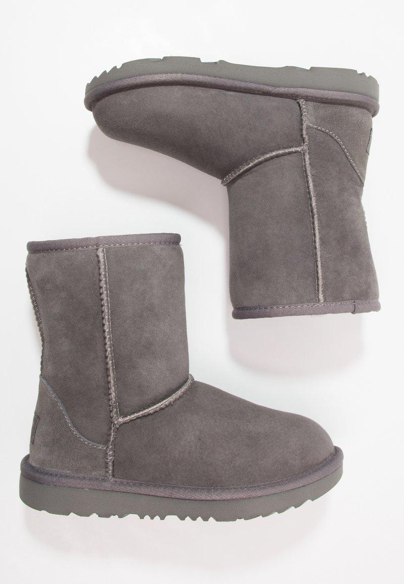 UGG - CLASSIC II - Korte laarzen - grey
