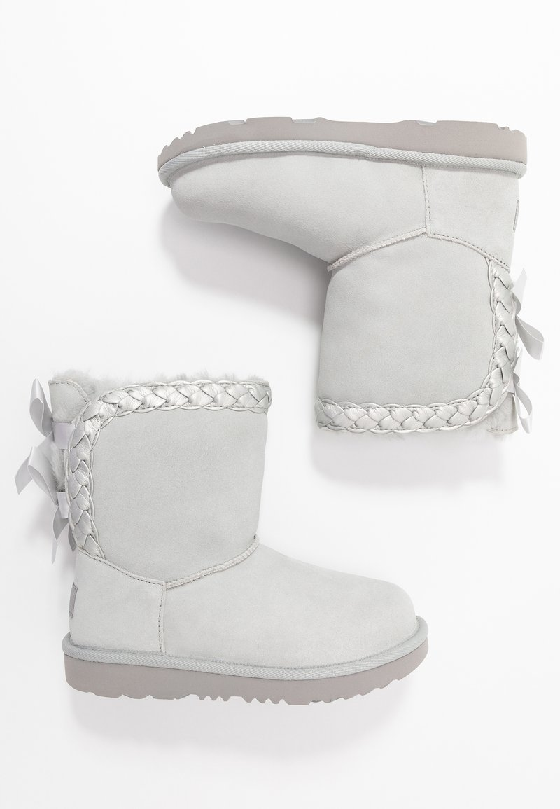 UGG - CLASSIC SHORT BRAIDED - Bottines - grey violet