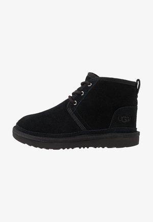 NEUMEL - Šněrovací kotníkové boty - black