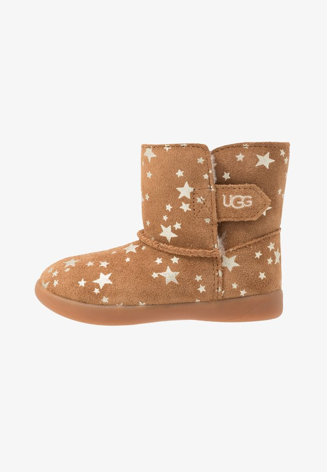 KEELAN STARS - Classic ankle boots - chestnut
