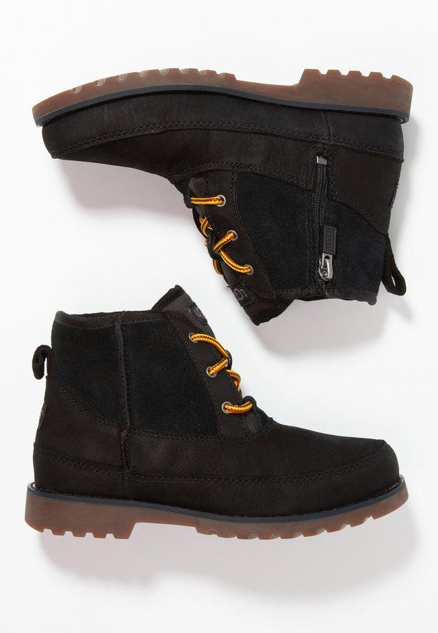 BRADLEY - Veterboots - black
