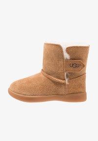 UGG - KEELAN - Kotníkové boty - chestnut - 1