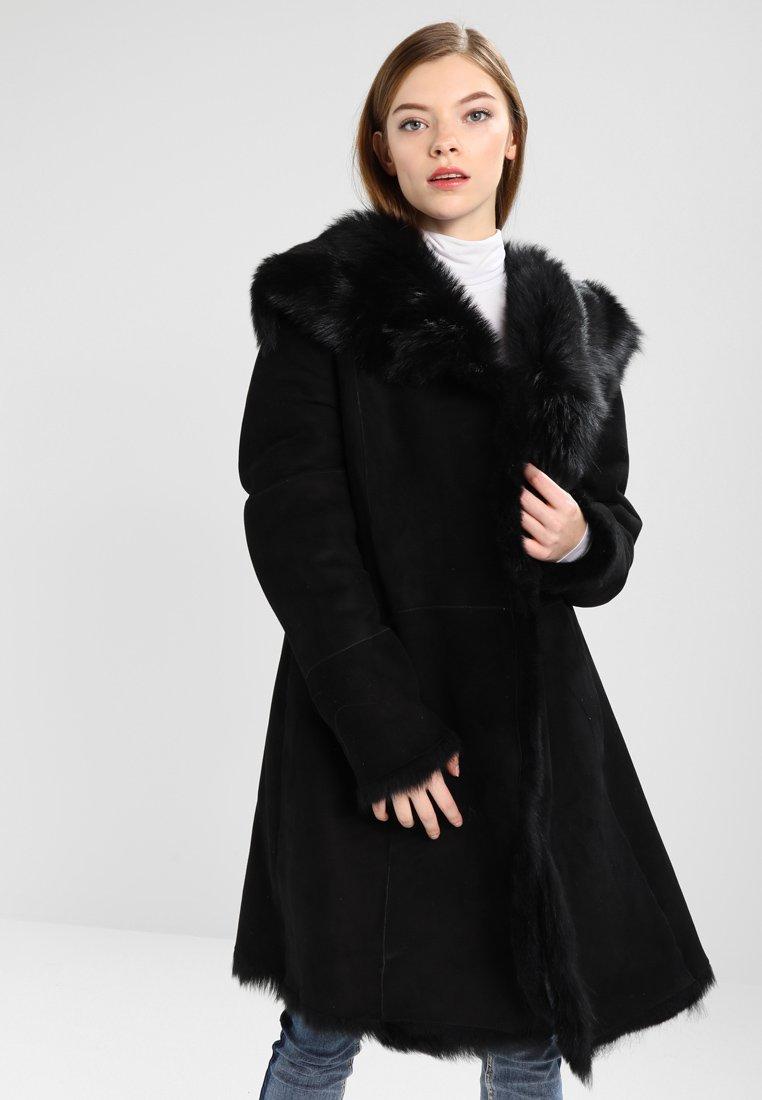 UGG - TOSCANA SHEARLING - Winter coat - black