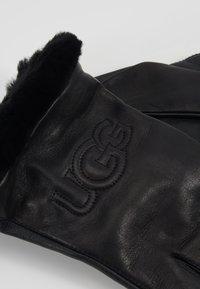 UGG - CLASSIC LOGO GLOVE  - Gloves - black - 3