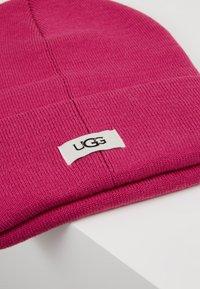 UGG - CUFF HAT - Beanie - fuchsia - 2