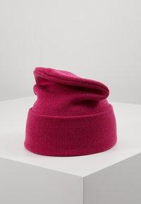 UGG - CUFF HAT - Beanie - fuchsia - 3