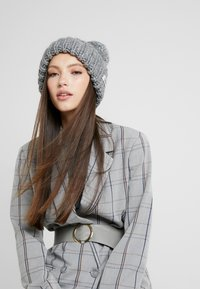 UGG - CHUNKY WIDE CUFF BEANIE - Mütze - light grey - 1