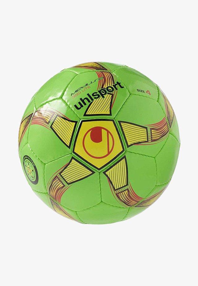Football - gruengelbschwarz