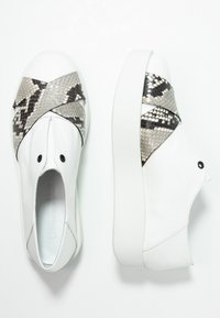 UMA PARKER - Loafers - guanto bianco roccia - 3