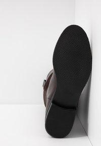 UMA PARKER - Høje støvler/ Støvler - brown - 6