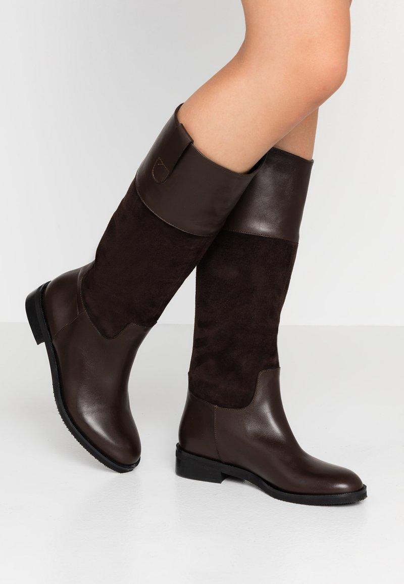 UMA PARKER - Høje støvler/ Støvler - brown