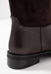 UMA PARKER - Høje støvler/ Støvler - brown - 2