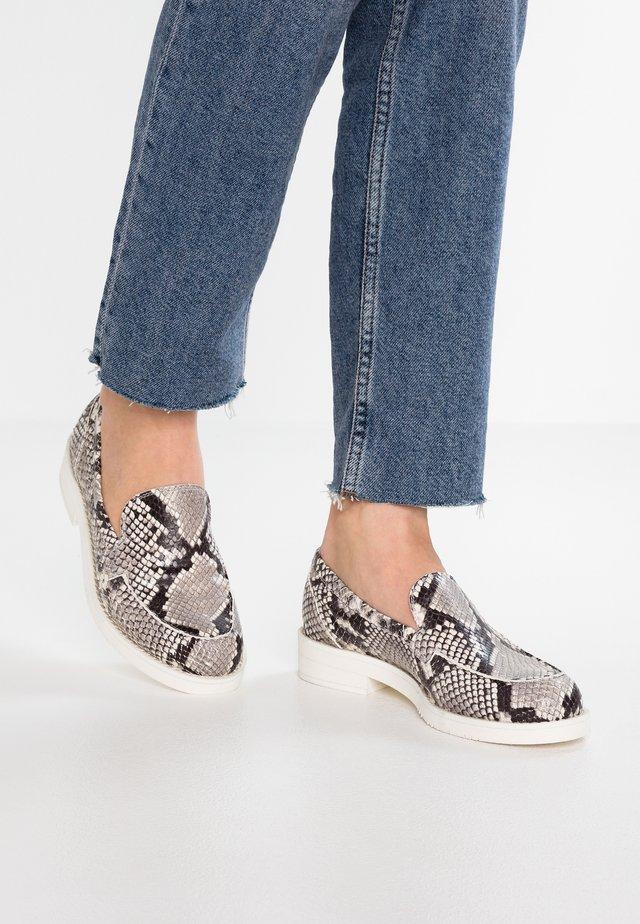 Nazouvací boty - diana roccia