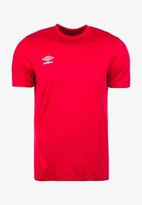 Umbro - Basic T-shirt - red - 0