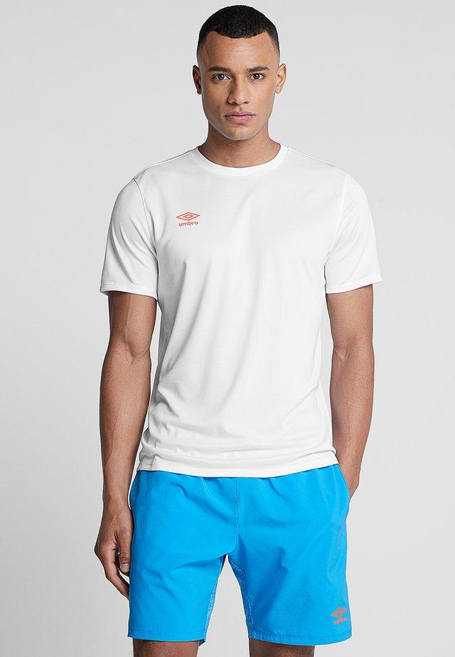 SILO TRAINING TEE - T-shirt print - brilliant white/ibiza blue