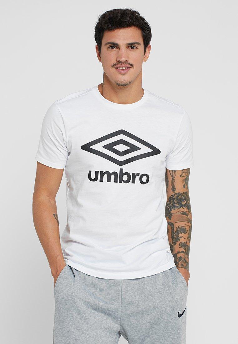 Umbro - LARGE LOGO TEE - Print T-shirt - white