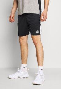 Umbro - PANEL SHORT - Urheilushortsit - black/brilliant white - 0
