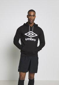 Umbro - Hoodie - black - 0