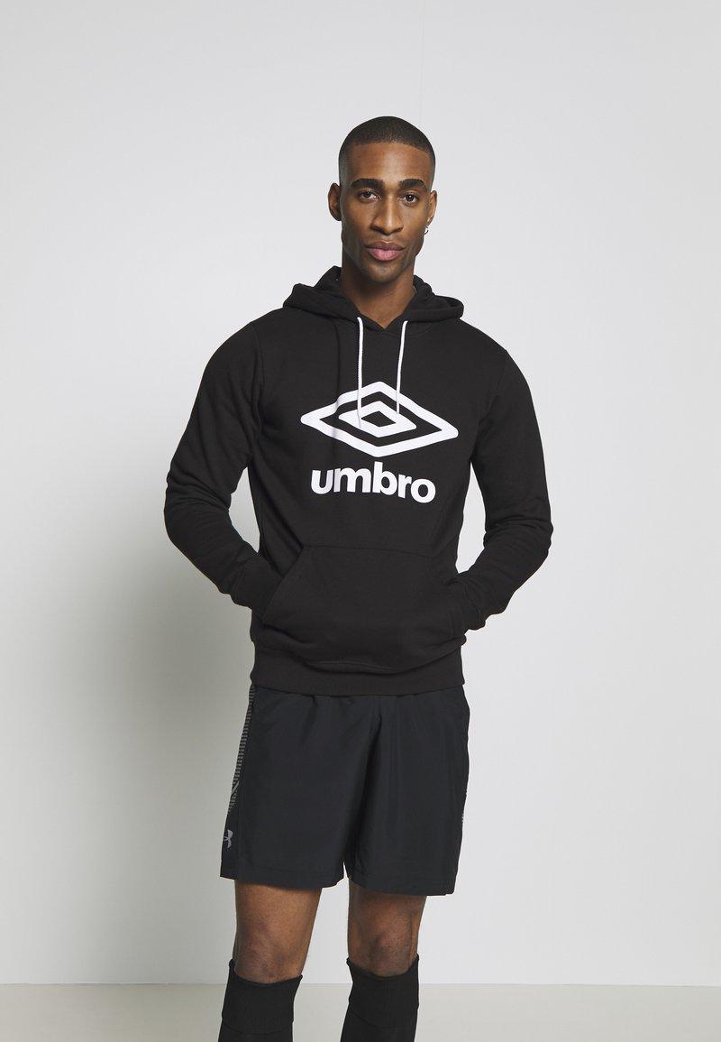 Umbro - Hoodie - black