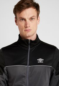 Umbro - TRACKSUIT - Survêtement - carbon/black - 5