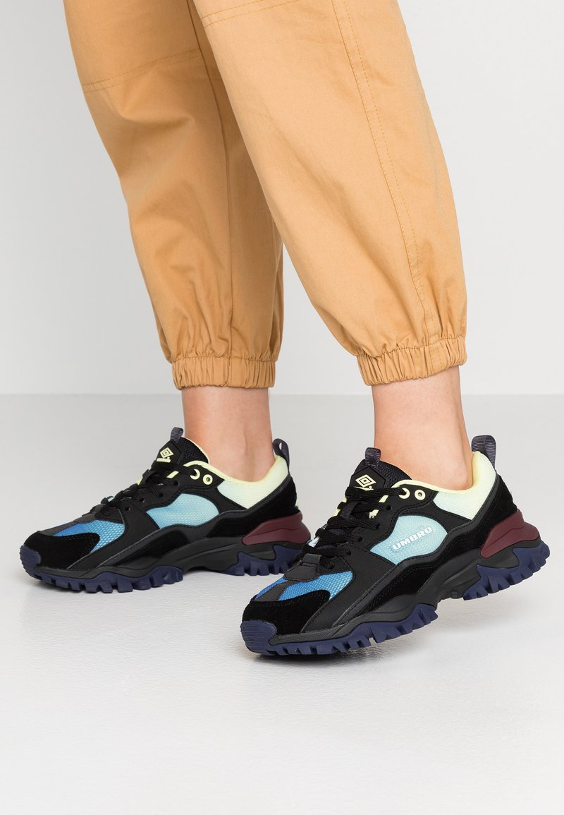 Umbro Projects - BUMPY - Sneakers - black