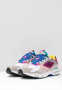 Umbro Projects - JOGGER - Sneakers - white/cool blue - 4
