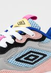Umbro Projects - JOGGER - Sneaker low - white/desert pink