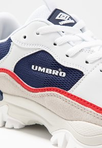 Umbro Projects - BUMPY - Tenisky - navy/ white/vermillion/white smoke - 2