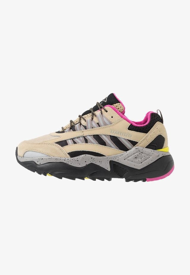 NEPTUNE OUTDOOR - Trainers - pale khaki/black/cinder/pink flash