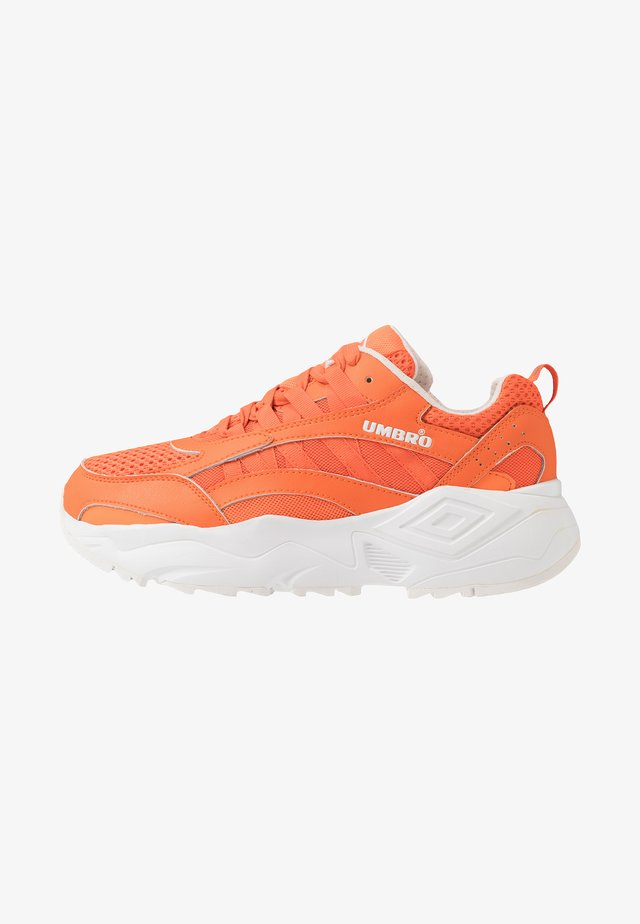 NEPTUNE - Sneaker low - shock orange/white/black