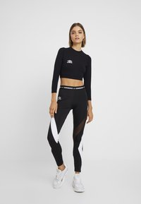 Umbro Projects - CARA CROPPED WOMEN - Pitkähihainen paita - stretch limo/bright white - 1