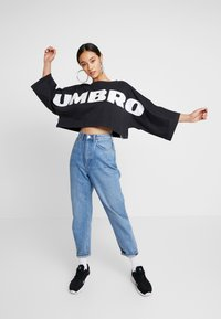 Umbro Projects - JAGO CROP WOMEN - Mikina - limo/bright white - 1