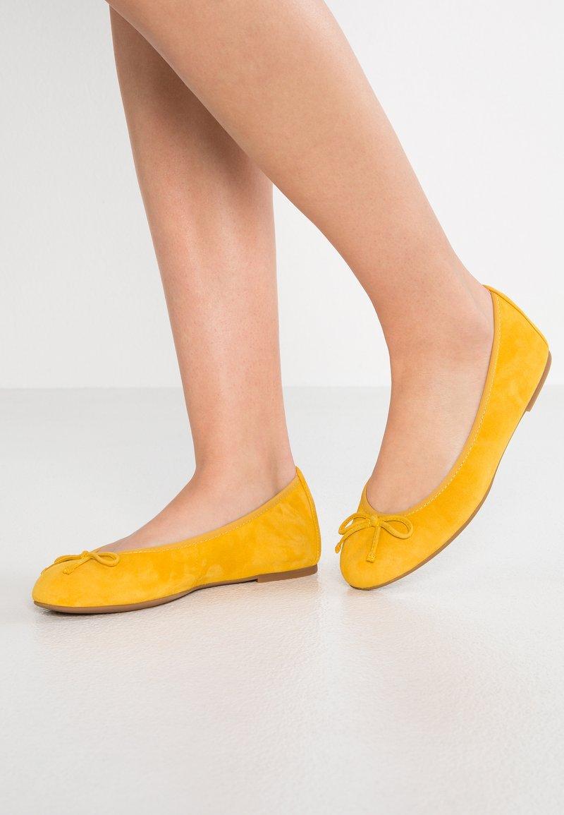 Unisa - ACOR - Ballet pumps - yellow