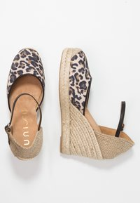 Unisa - CASTILLA - High heeled sandals - natural/black - 3
