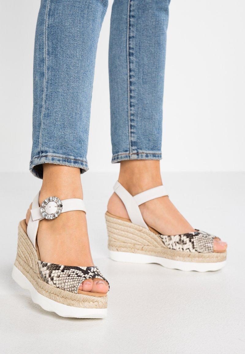 Unisa - CATORI - High Heel Sandalette - nacar/ivor