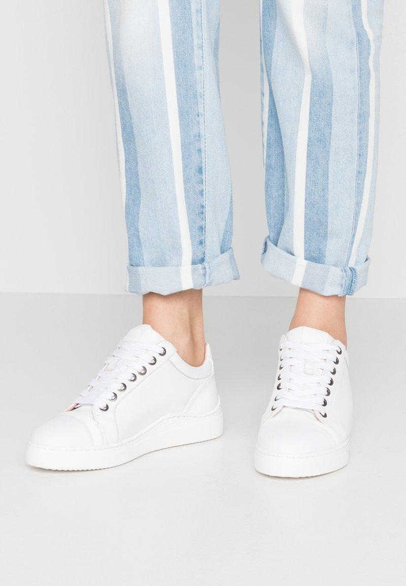 Unisa - FIYOLA - Sneakers - white