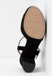 Unisa - VEGARA - Sandalias de tacón - black - 6