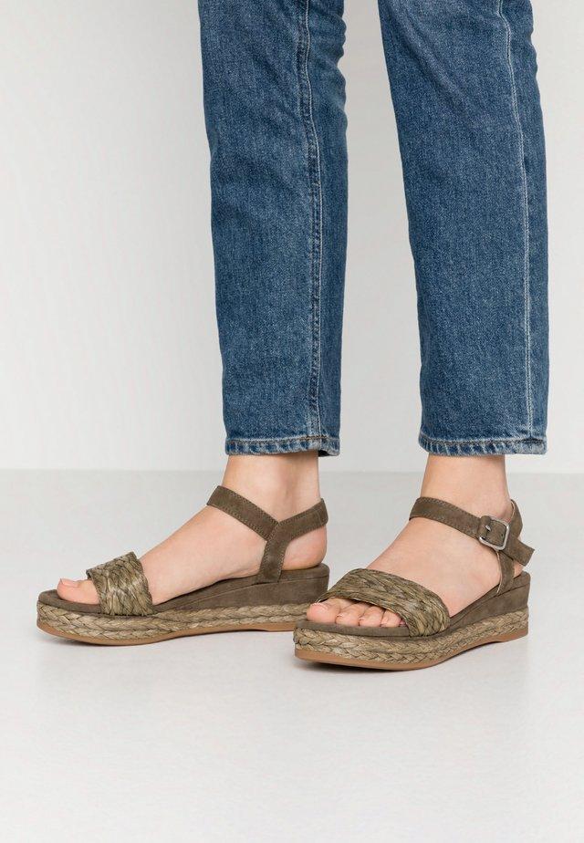 GABIR - Platform sandals - salbia
