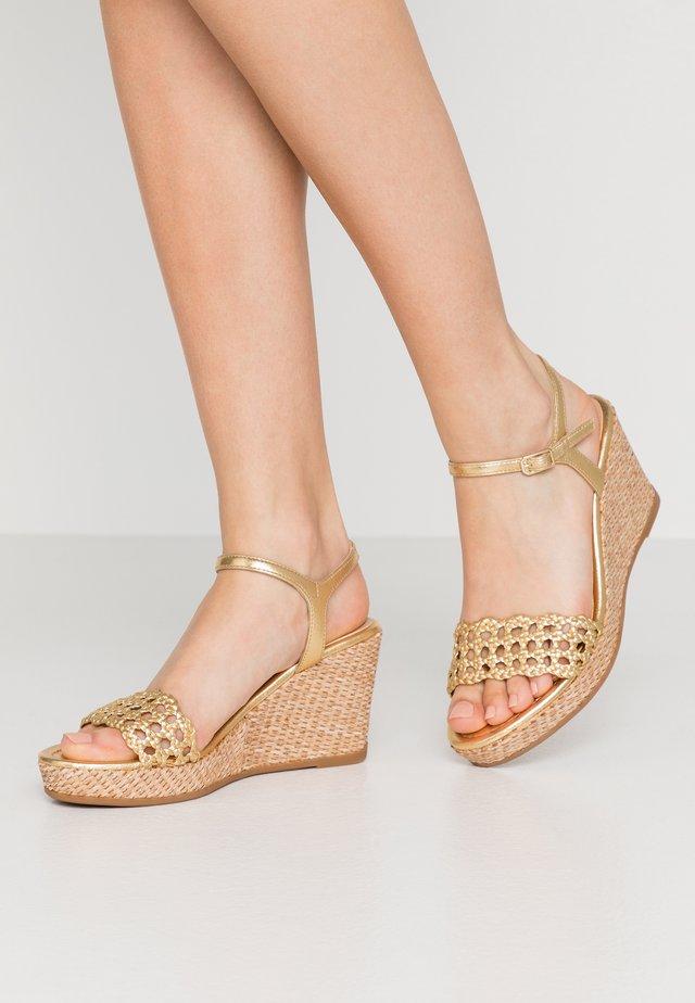 LOBI - High Heel Sandalette - gold