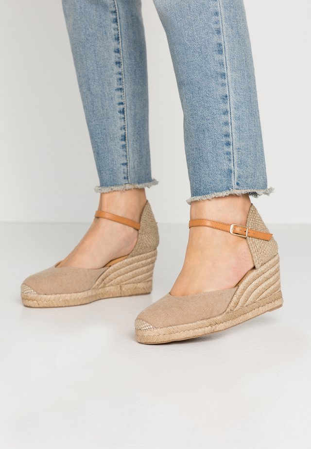 CACERES - Loafers - natural