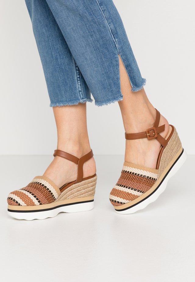 LEIDA - High heeled sandals - saddle