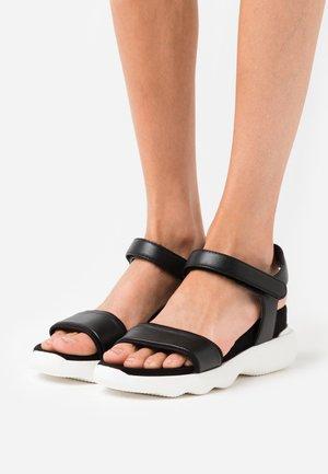 BOLO - Korkeakorkoiset sandaalit - black