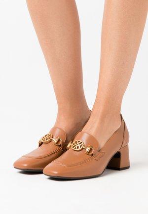 MAJAL - Classic heels - tumeric