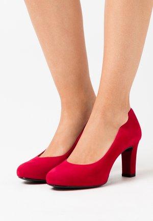 NUMIS - Platform heels - chilli